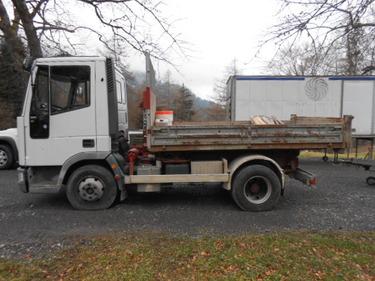 JAQU922_446108 vehicle image