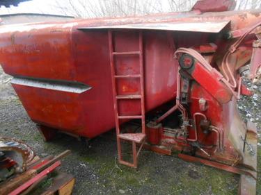 JAQU922_516375 vehicle image