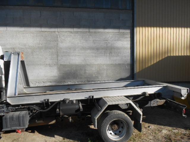 JAQU922_458990 vehicle image