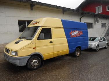 JAQU922_460817 vehicle image