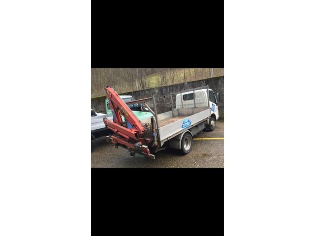 JAQU922_513371 vehicle image