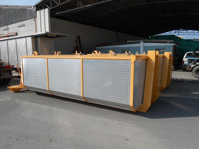 JAQU922_463332 vehicle image