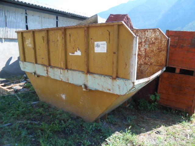JAQU922_480302 vehicle image