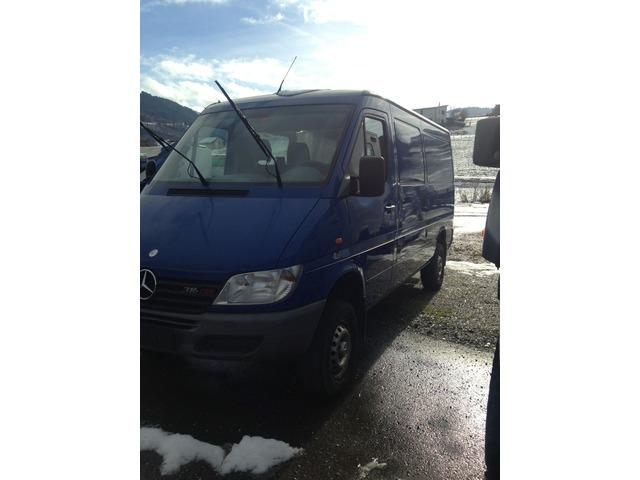 JAQU922_503205 vehicle image