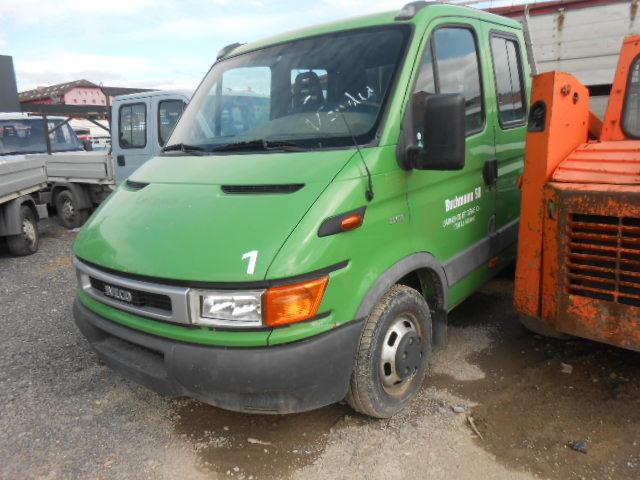 JAQU922_481717 vehicle image