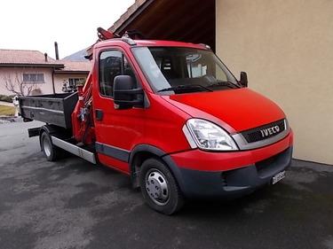 JAQU922_517132 vehicle image