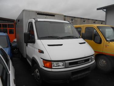 JAQU922_452296 vehicle image