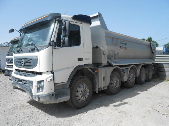 JAQU922_468386 vehicle image