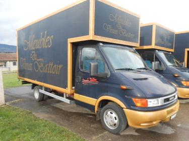 JAQU922_449743 vehicle image