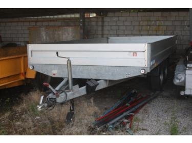 SOMM2698_366818 vehicle image