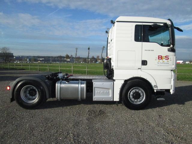 BFS260_611189 vehicle image