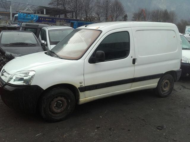 JAQU922_594006 vehicle image