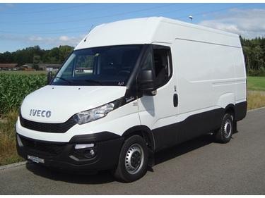 STUD177_558615 vehicle image
