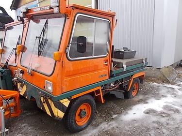 JAQU922_594002 vehicle image