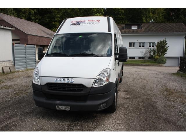 SOMM2698_633619 vehicle image