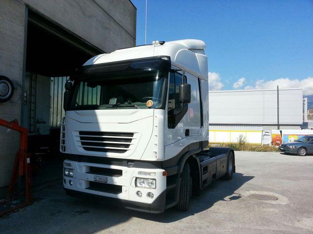 JAQU922_599899 vehicle image