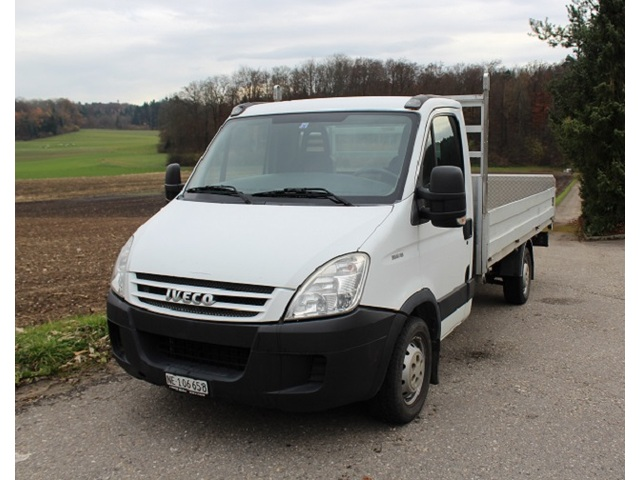 Kall37_580962 vehicle image