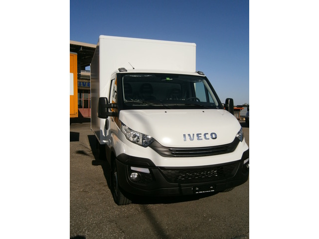 FUER278_596696 vehicle image